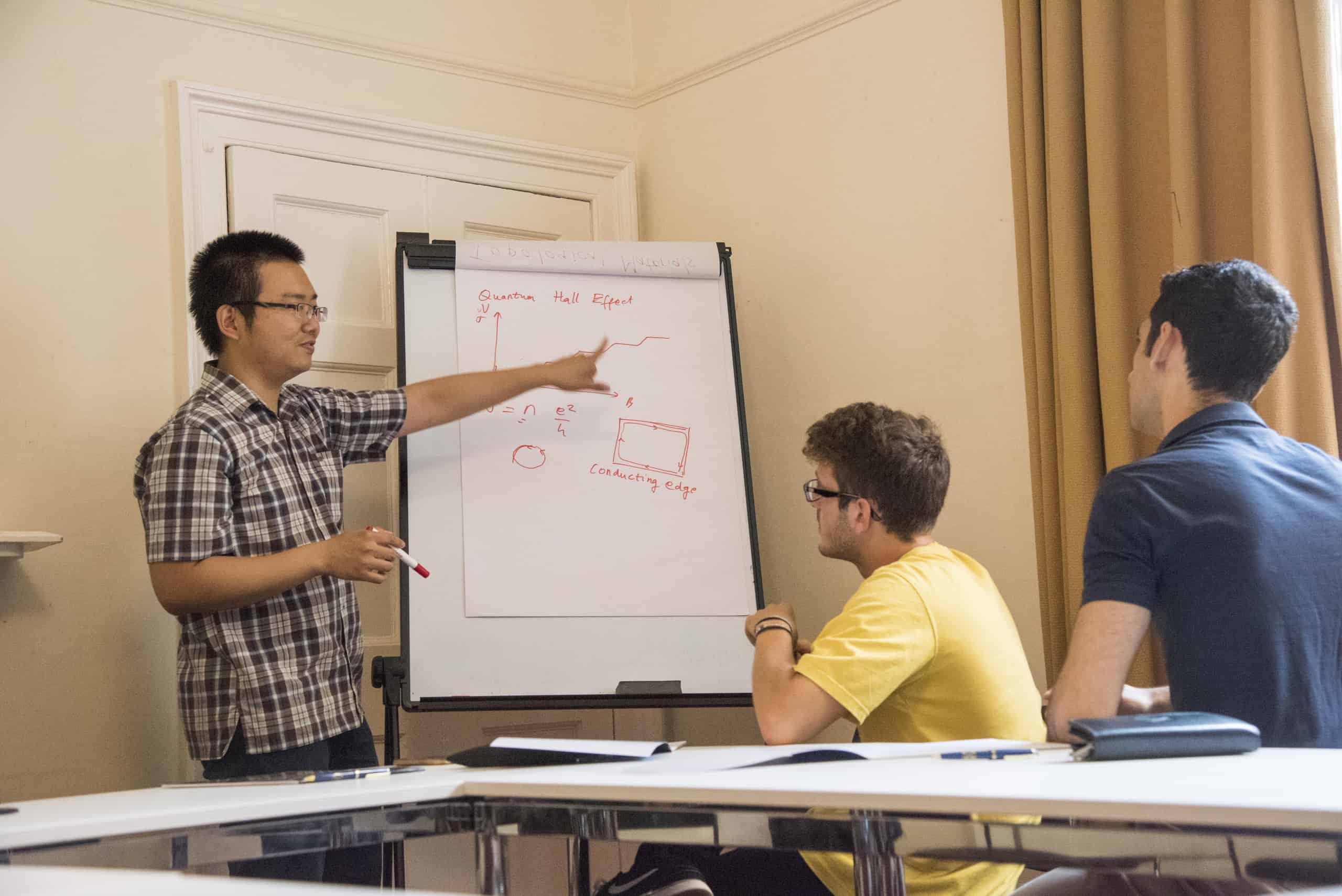 Physics Summer Courses in Oxford for 16-17 years old | Oxford Summer