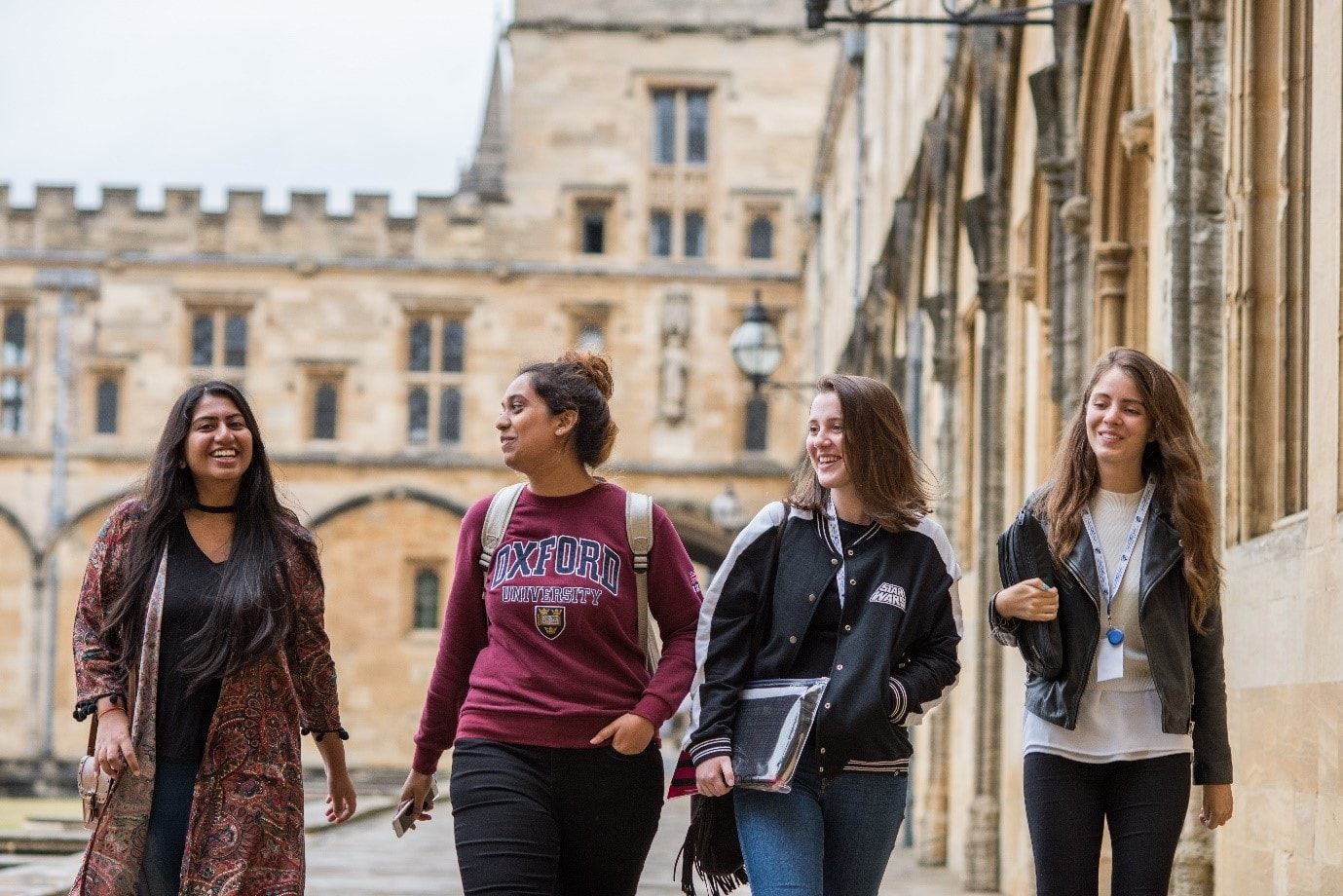 Oxford Summer Courses students walking at the University of Oxford